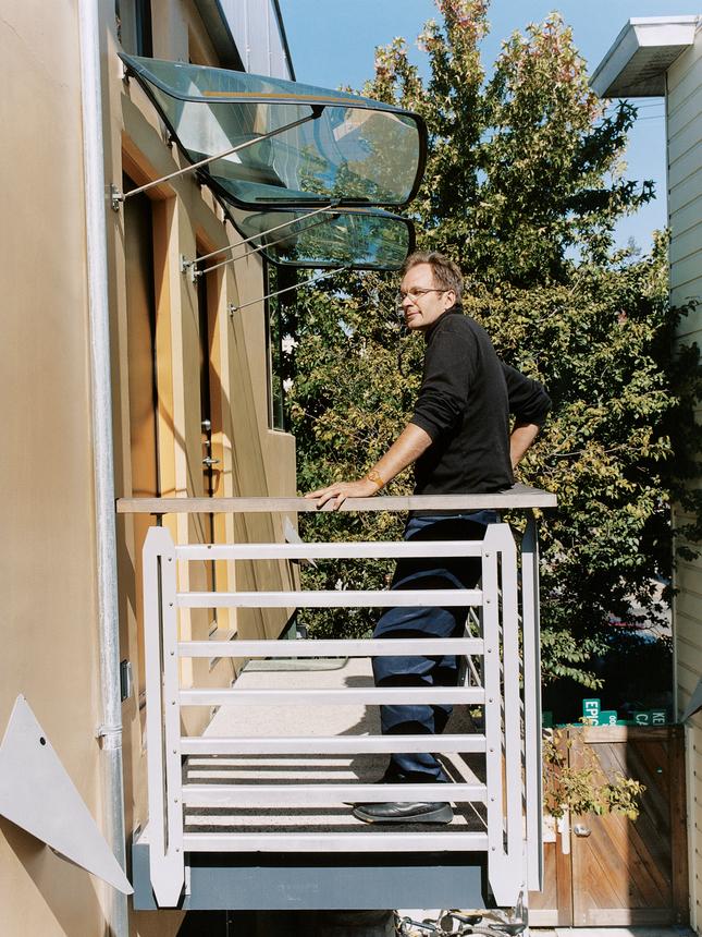the-dwight-way-house-balcony-portrait